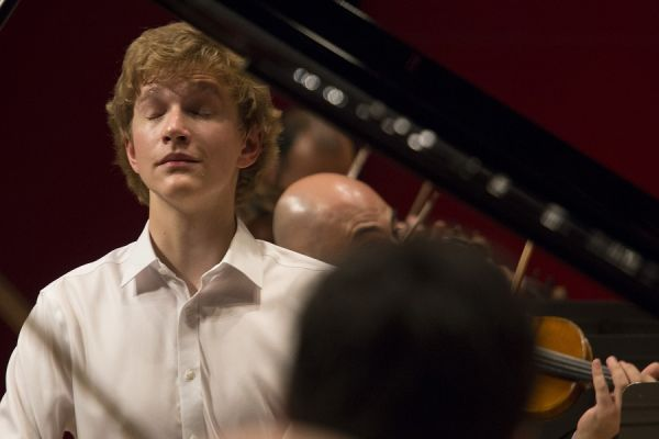 ORQUESTRA SIMFÒNICA DEL VALLÈS and JAN LISIECKI